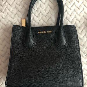 🤍Micheal Kors - Mercer Black Leather Bag Mini🤍